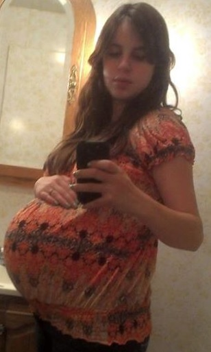 Heidi Pregnant 3
